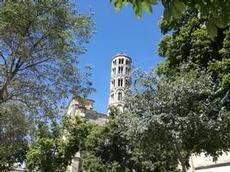 Lutande tornet i Uzes