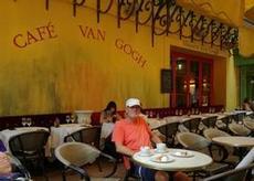 En fika på Van Goghs Nattcafe - dyrt men ett måste