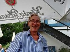 Den glade hamnkaptenen, tillika restaurang-föreståndare på LMC