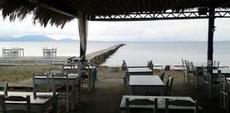 Utsikt från den enda restaurangen i Molos
