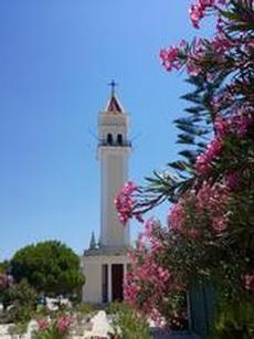 Vackert kyrktorn i Zakynthos