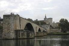 Bron vi påvepalatset.