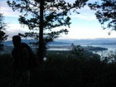 Skog och skuggor på berg vid Achilleon