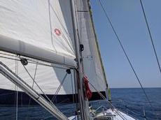 Fin segling i halvvind