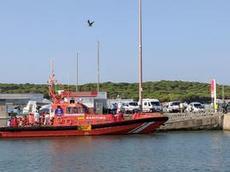 Spanska Sjöräddningssällskapet efter uppdrag att rädda båtflyktingar