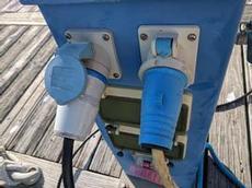 Olika uttag för el i hamnarna skapar strul