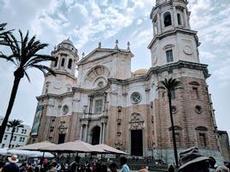 Den vackra katedralen i Cadiz