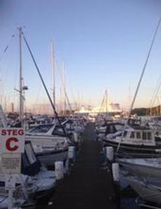 Tusentals båtar i hamnarna