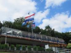 Hissade svenska flaggan på Marinan