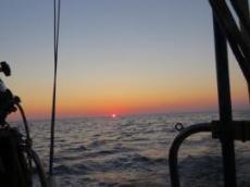 Solnedgång vid översegling till Sicilien